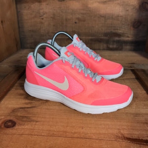 Nike Revolution Women's 6 and 6.5