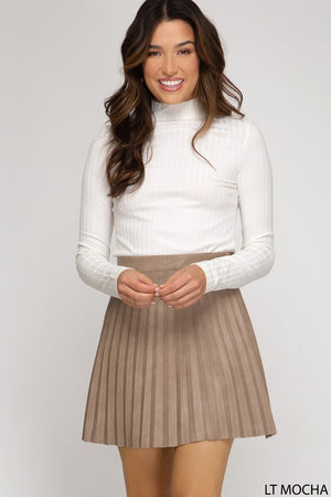 THE RYDER FAUX LEATHER PLEATED MINI SKIRT - MOCHA