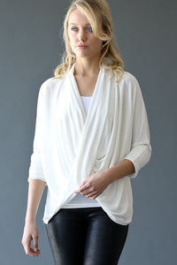THE ESSENTIAL WRAP TOP