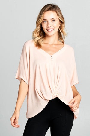 THE ESSENTIAL V-NECK TWIST FRONT TOP