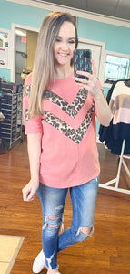 Coral leopard chevron top