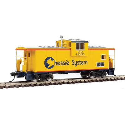 Walthers Mainline, HO Scale, 910-8704, International Extended Wide-Vision Caboose, Chessie (C&O), #903193