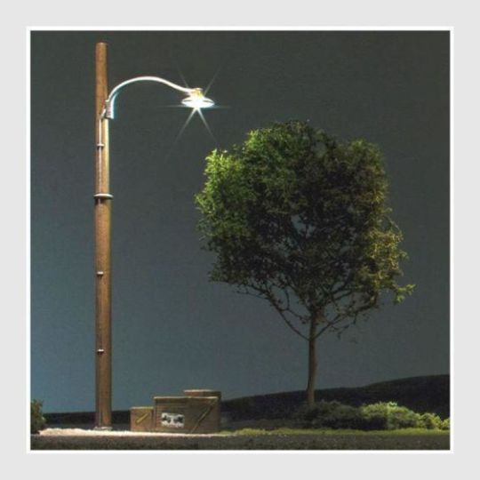 Woodland Scenics JP5630 - Wooden Pole Street Lights (Pack of 3) HO Scale