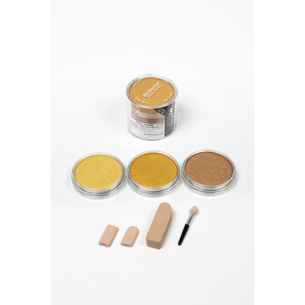 Kit Contents  1x Sofft Mini Applicator 2x Sofft Knife Covers 1x Sponge Bar Includes mini storage case  6 colors:  910.5  Light Gold 911.5  Rich Gold 930.5 Bronze