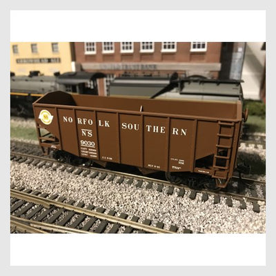 Bowser HO 42272 55-Ton Fishbelly Hopper, Norfolk Southern (Peaked End) #9030
