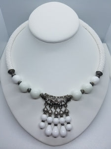 "Necklace ""White queen"""
