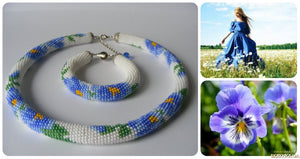 "Set of 2 Necklace and bracelet ""Blue flowers on white background"""
