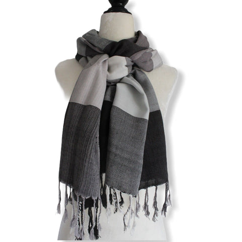 Plaid Handwoven Scarf - Black & White