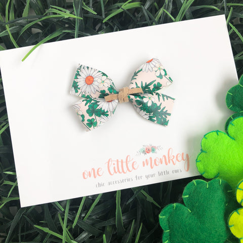 Clovers and Daisies GILLIE Bow