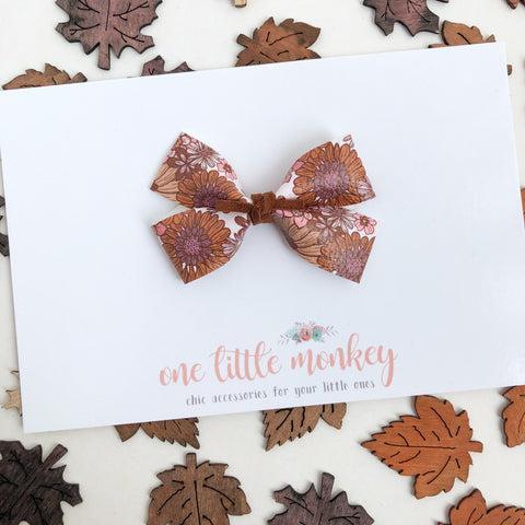 Golden Floral GILLIE Bow
