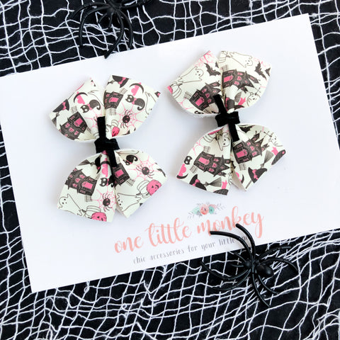 Happy Hauntings RAEGAN Bows - Set of 2 Piggy Clips - Glow in the Dark