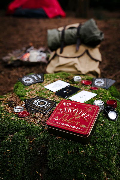 Camping playing poker gentlemen's hardware poker set