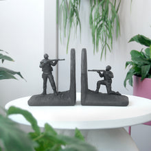 Load image into Gallery viewer, Bookends - Soldier - Black