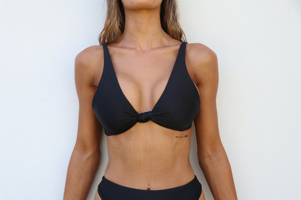 CHICA Top / Black