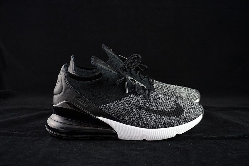 reputable site 163d1 58774 Nike Air Max 270 Flyknit Oreo