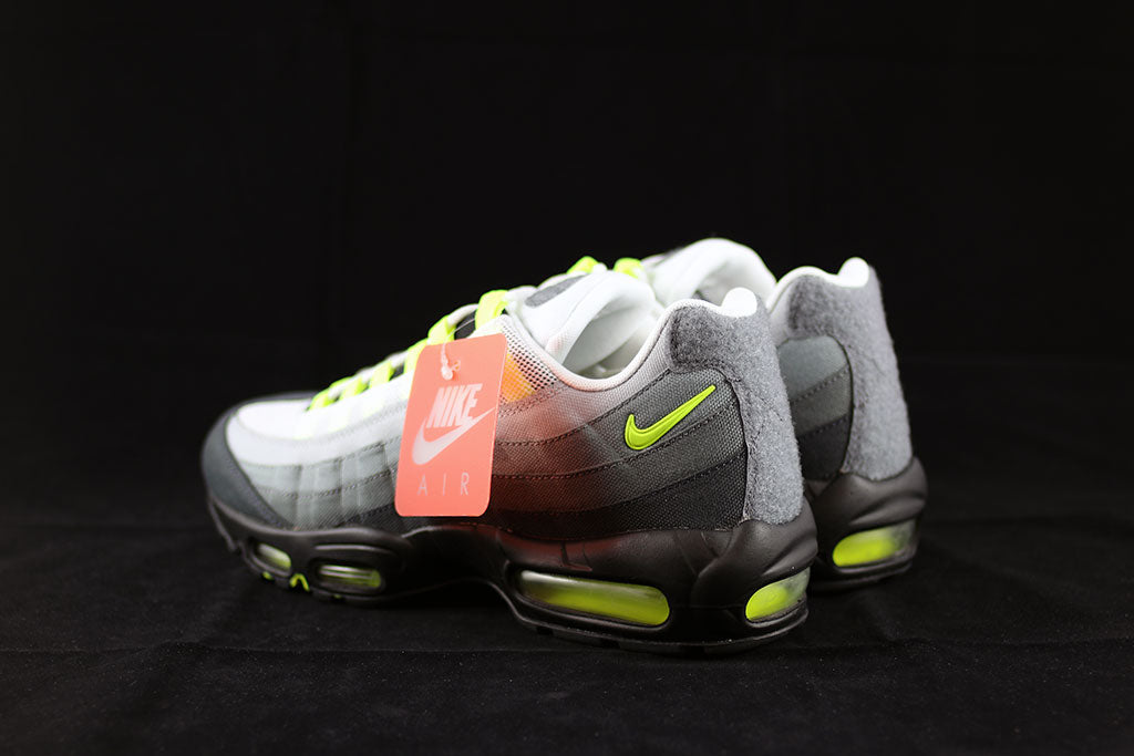 quality design 913d8 eb1f2 ... Nike Air Max 95 V SP Neon Patch Pack ...