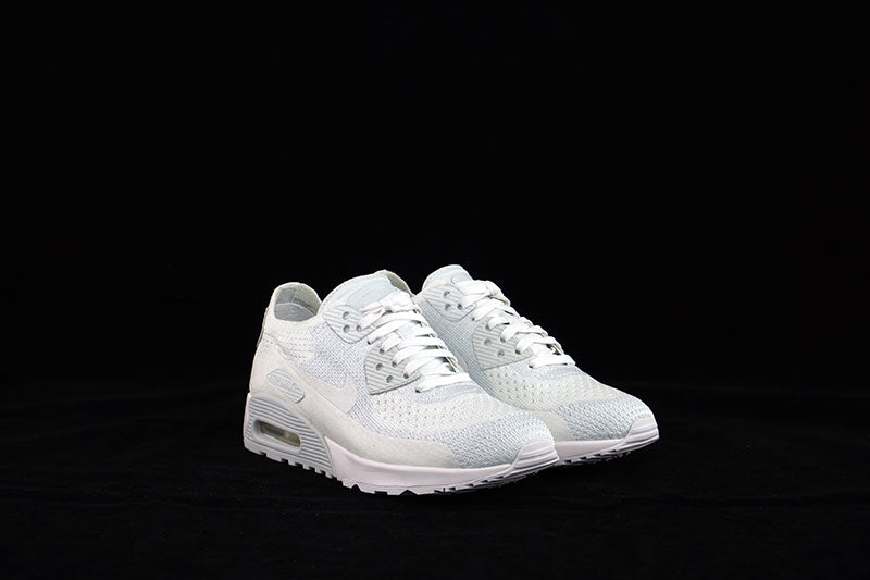 Nike W Air Max 90 Ultra 2.0 Flyknit White </p>                     </div> 		  <!--bof Product URL --> 										<!--eof Product URL --> 					<!--bof Quantity Discounts table --> 											<!--eof Quantity Discounts table --> 				</div> 				                       			</dd> 						<dt class=