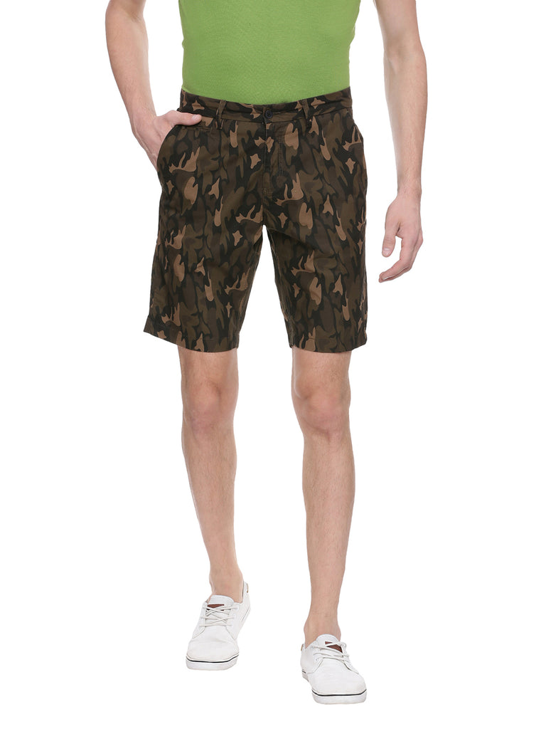 Camo shorts with minimal stitch detailing in Narrow fit. - urban clothing co.