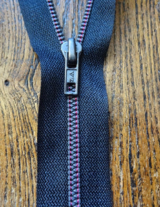 No4 16cm Closed End Black/Pink Contrast Metallized Zip