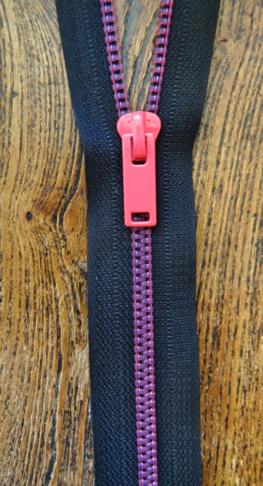 Neon Pink and Black No 6 Closed End 20cm Zip
