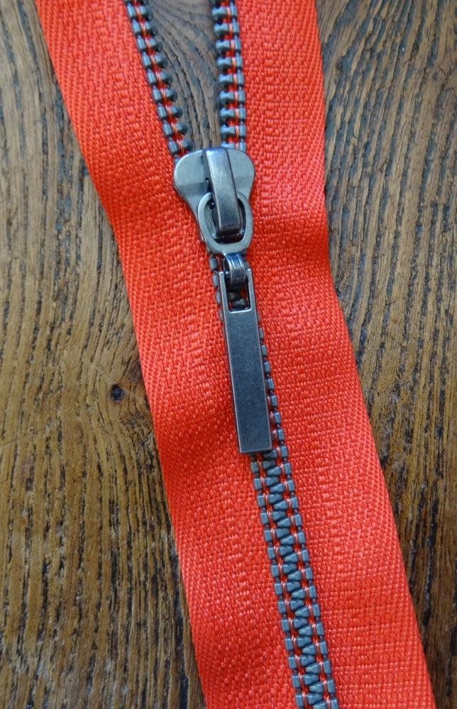 Red No 6 55cm Closed End Metallized Zip