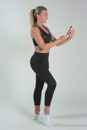 Load and play video in Gallery viewer, Radiance Gloss Black Pocket 7/8 Leggings