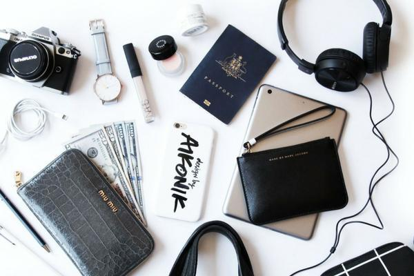 Lighthaus : Are you infected by the travel bug? We Have Shortlisted 5 Must Have Travel Accessories for You-Lighthaus Candle