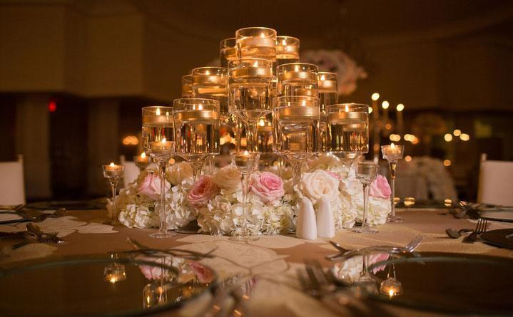 5 Ideas for Gorgeous Centerpieces with Floating Candles-Lighthaus Candle