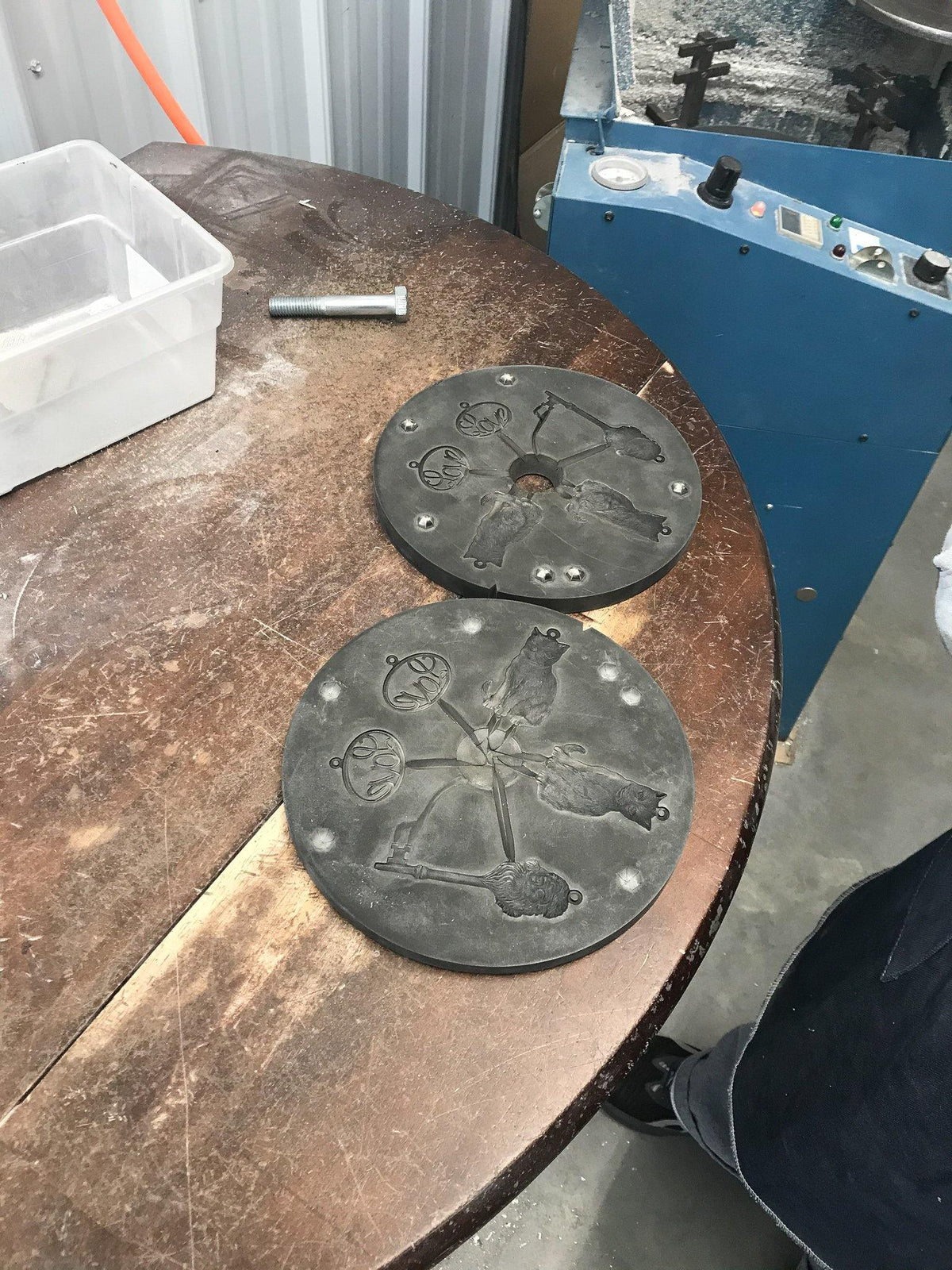 american company using traditional pewter molds