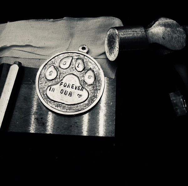 872 Pet Dog Paw Hand Stamped Memorial Ornament Pewter - House of Morgan Pewter