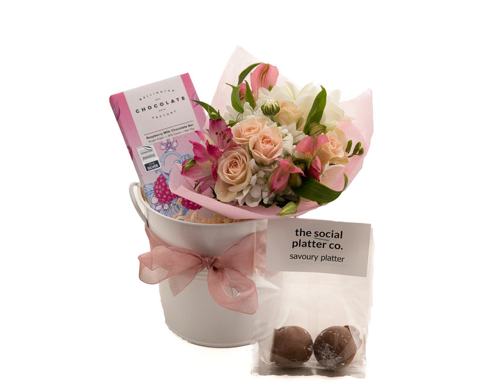 Flowers and Chocolates for Your Mum this Mother's Day.  Gift for the Best Mum
