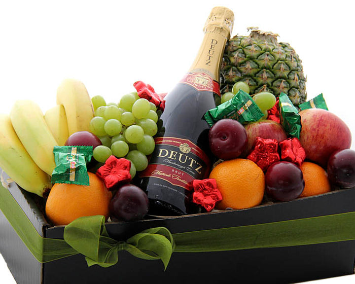 Cheer up a friend or work colleague with this fresh fruit and bubbles