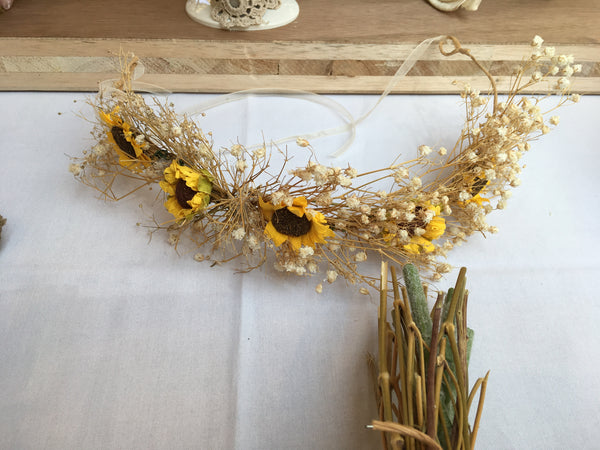Dried babies breath and sunflower flower crown