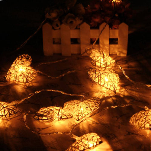 10 LED String Battery Operated Heart Shaped Outdoor Light Made of Rattan