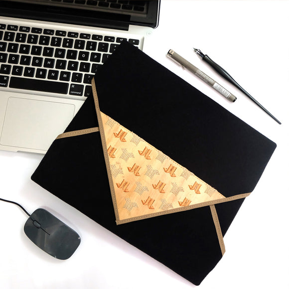 Burda Resizable Laptop Wrap