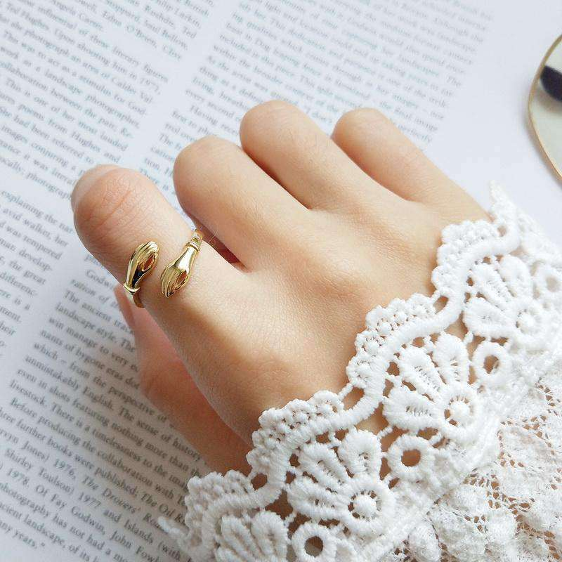 The Open Palms Ring in Gold-Plated 925 Sterling Silver - Kina & Tam