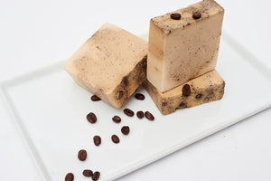L'Kofi Con Leche Bar Soap. xfoliates, and melt into the skin while keeping your skin looking youthful. Benefits: Coffee Beans exfoliates, promotes and stimulates blood circulation.
