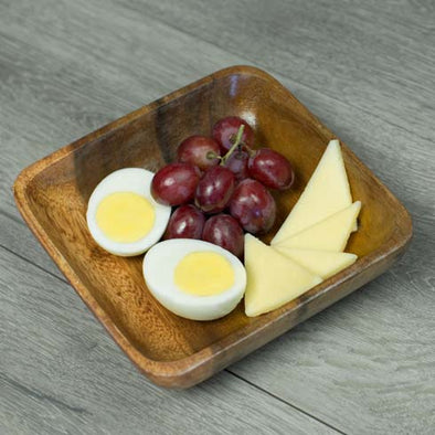 Egg, Aged White Cheddar & Red Grape Snack Box