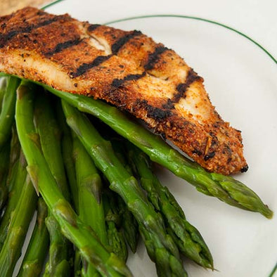 hCG Cajun Grilled Chicken with Asparagus