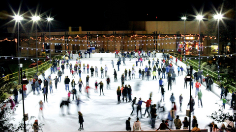 Outdoor skating and synchronized skating performances