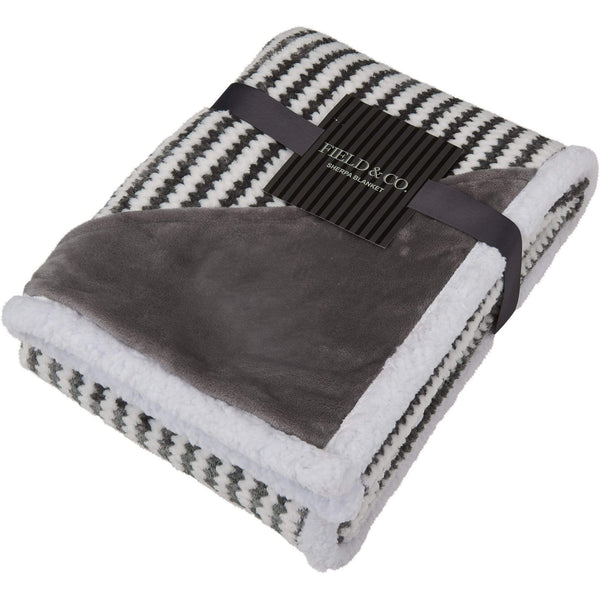 Field & Co Non-apparel One size / Grey Field & Co.® Chevron Striped Sherpa Blanket
