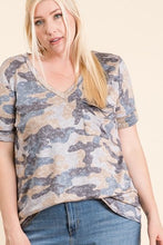 Load image into Gallery viewer, Camo Print Pocket Top