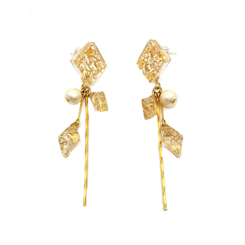 Flora Gold Pearl Earrings