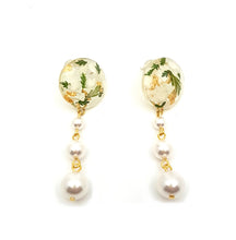 Flora Pearl Earrings