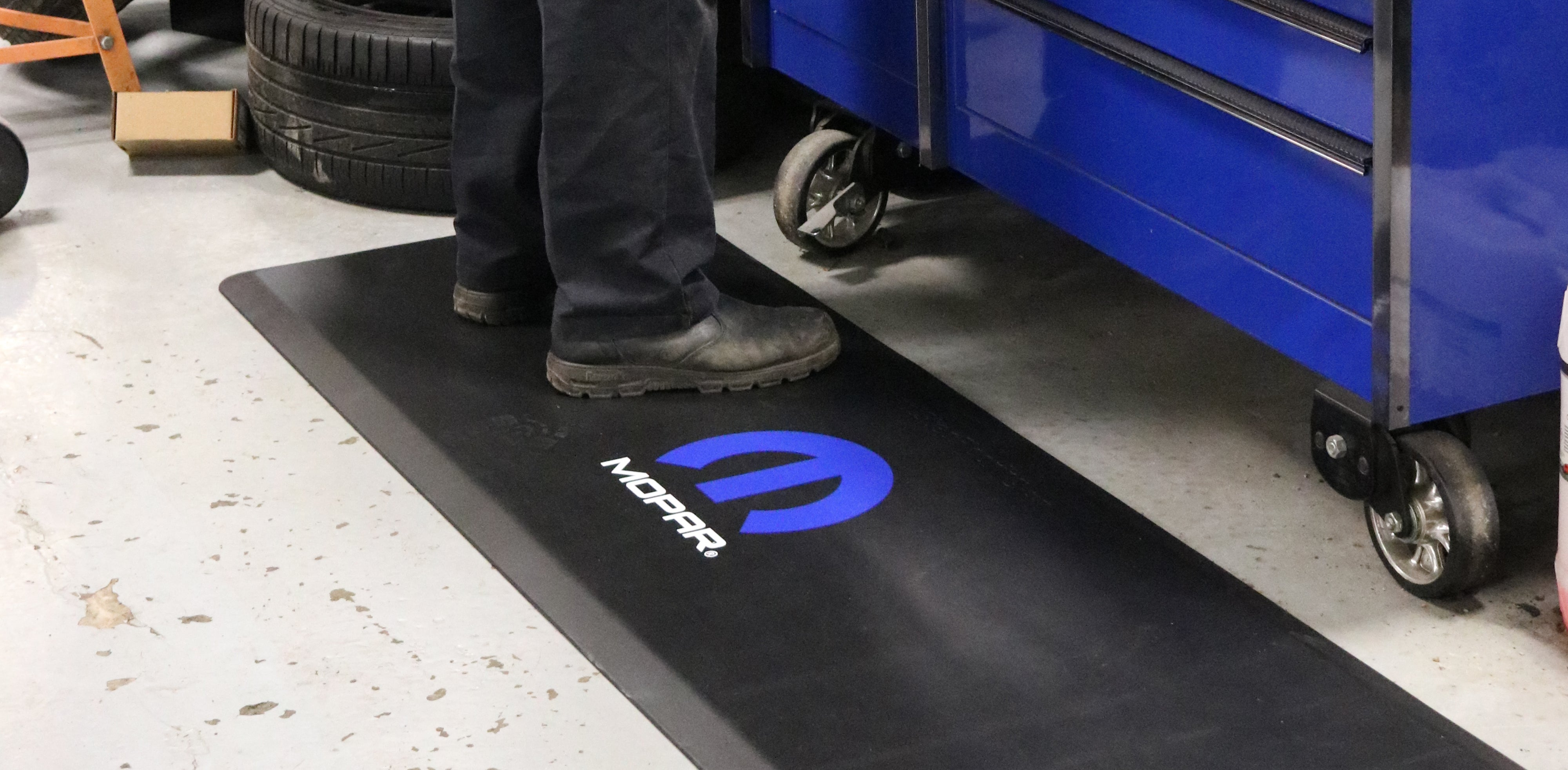 Mopar Mat, Service Automotive
