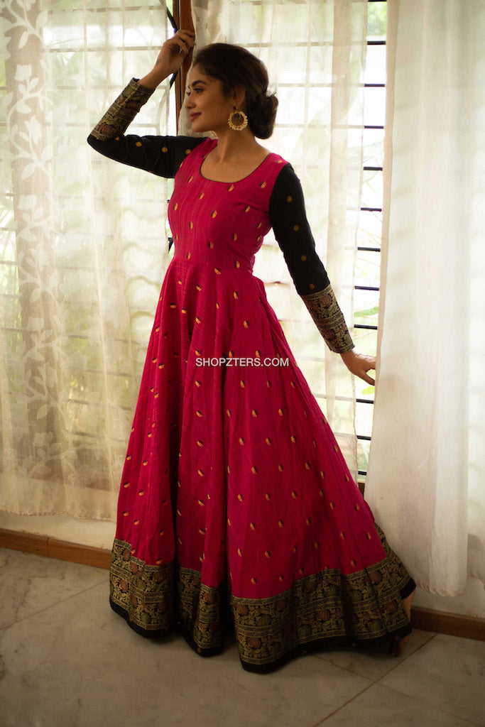 Pink Dress With Black Zari Border And Sleeves