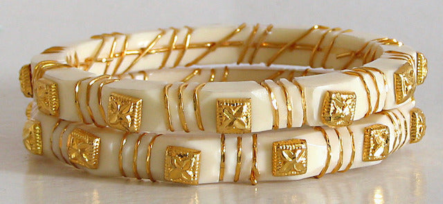 golden-harmony-pair-of-gold-plated-white-bangles-JX35_l