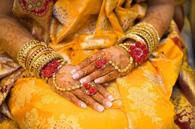 indian-brides-usually-favor-heavy-ornate-bangles