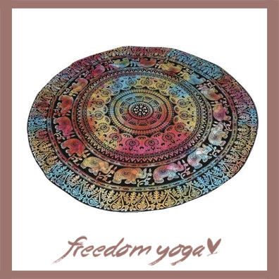 Round Yoga Towel - Hippy pattern