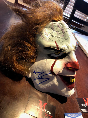 BS_01_BILL SKARSGARD SIGNED MASK